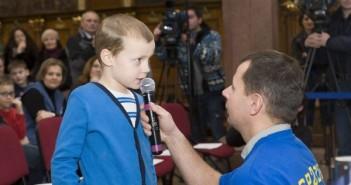 Najmłodszy uczestnik łączności - Józef, w trakcie zadawania swojego pytania / Michał Lewczuk, SP2XDM