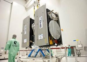 Montaż satelitów Galileo FOC-1 i 2 na wyrzutniku / Credit: ESA\Arianespace