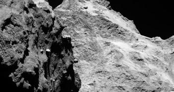 Zdjęcie komety 67P/C-G wykonane wąskokątnym obiektywem kamery OSIRIS, 5 września 2014 / Credits: ESA/Rosetta/MPS for OSIRIS Team MPS/UPD/LAM/IAA/SSO/INTA/UPM/DASP/IDA