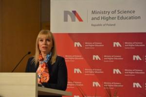 Przemawia Elżbieta Bieńkowska - Komisarz ds. Rynku Wewnętrznego i Usług / Credits - K. Kanawka, kosmonauta.net