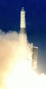 Start rakiety Atlas-E z satelitą DMSP-F13, 24 marca 1994 / Credit USAF