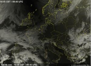 Zaćmienie w Europie widoczne było doskonale na zdjęciach satelitarnych z satelitów pogodowych. Źródło: Sat24.com/Eumetsat/Met Office