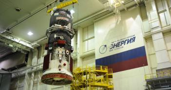 Progress M-27M podczas przygotowań do startu / Credits - RSC Energia