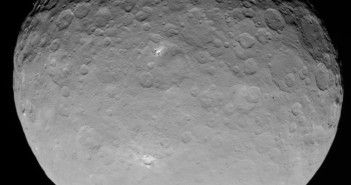 Inny jasny obszar na Ceres / Credits - NASA/JPL-Caltech/UCLA/MPS/DLR/IDA