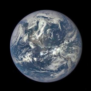 Pierwsze zdjęcie z sondy DSCOVR - kontynenty amerykańskie / Credits - NASA, NOAA