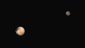 Pluton i Charon - zaskakujące obiekty / Credits - NASA/JHUAPL/SWRI