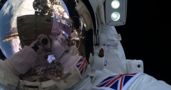 Tim Peake podczas spaceru EVA-35 / Credits - ESA